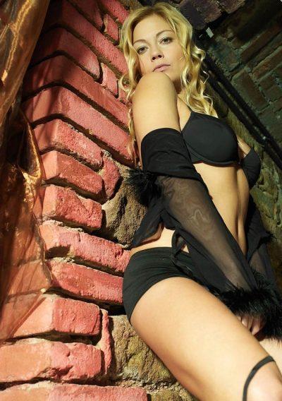 Девушка ищет мужчину в Калуге. Джекпот сайта!!! Надежная, как контрольный выстрел.
